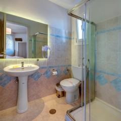 Ανακαινισμένο μπάνιο δωματίου