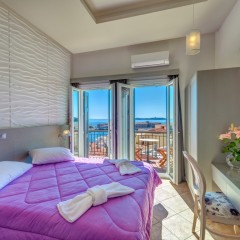 Σουίτα δύο δωματίων με θέα θάλασσα και μπαλκόνια