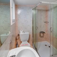 Στούντιο στο ισόγειο μπάνιο.